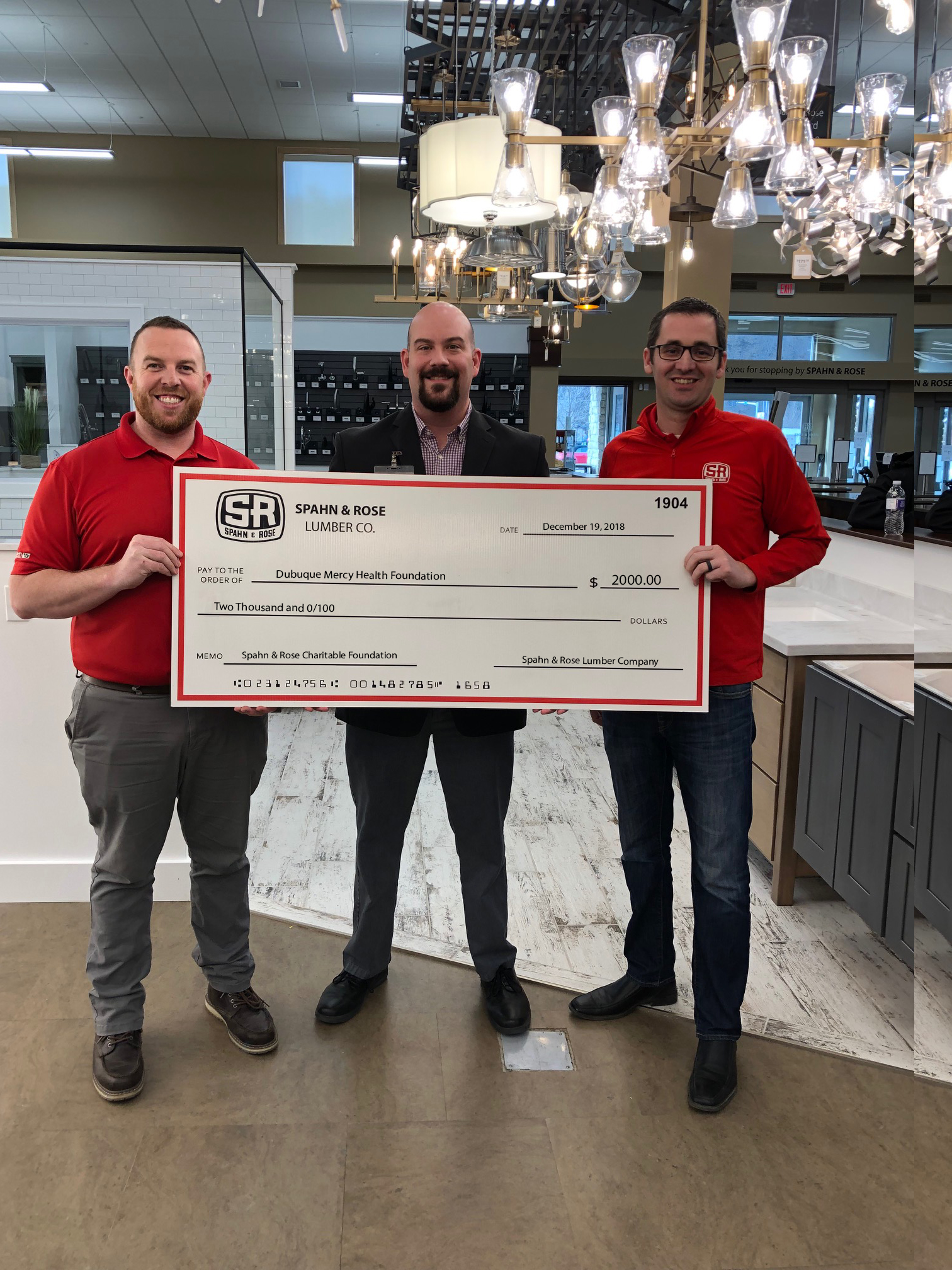 Big Red Check Day Celebrates Spahn Amp Rose S Commitment To